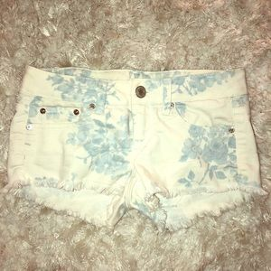American Eagle white/blue floral shorts